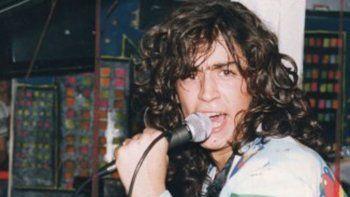 Antes de transformarse en el Potro Rodrigo, el cuartetero llegó a Buenos Aires en 1987 para sacar su primer CD: La foto de tu cuerpo.