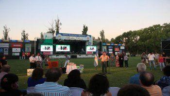 renuncio la comision organizadora de la fiesta nacional de la pera