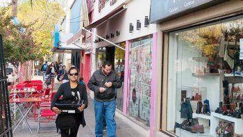 El rubro mercantil cipoleño está atravesando un momento de contracción, con menos ventas, cierres de locales y despidos de personal.
