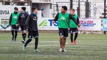 Del Prete jugó el viernes por la liga, Mellado será el 5 ante Roca el domingo.