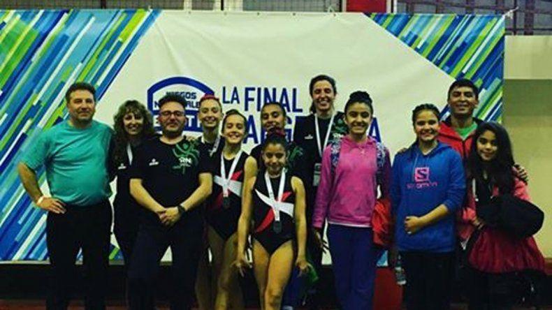 Parte de la delegación rionegrina de gimnasia en Mar del Plata.