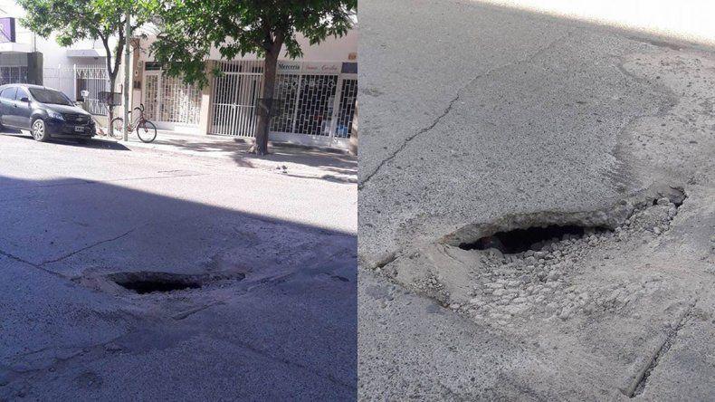 Un pozo en la calle causa estragos en los automovilistas