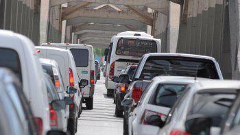 Un choque en cadena provocó demoras para cruzar a Cipolletti