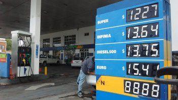 hubo acuerdo con las petroleras y manana aumentan las naftas