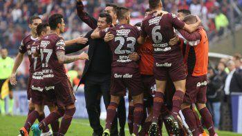 Lanús goleó a San Lorenzo y se consagró campeón