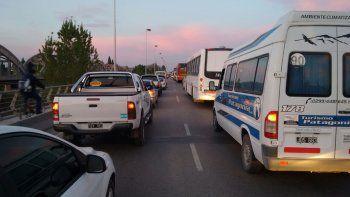 un operativo de control genero caos en los puentes carreteros