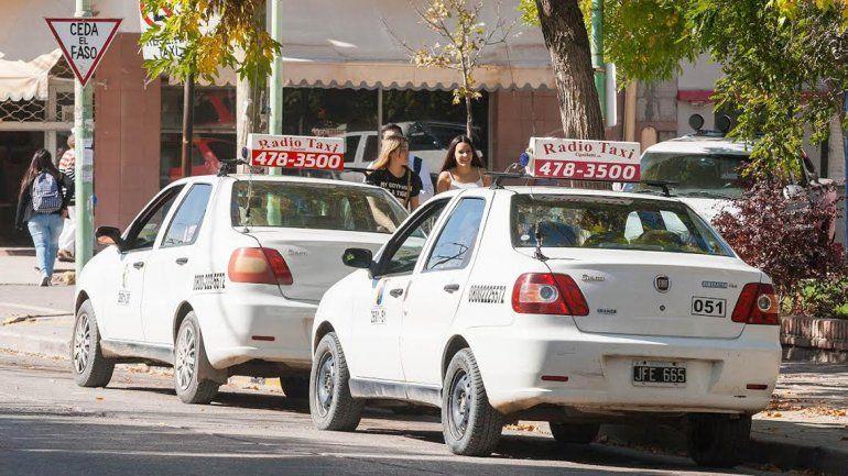 Los taxistas son conscientes de que muchos trabajadores han tenido un único aumento salarial en el año.