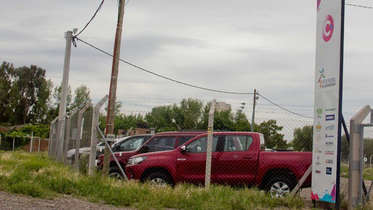 El predio de Pacheco y Rivadavia está repleto de autos secuestrados que nadie retira.