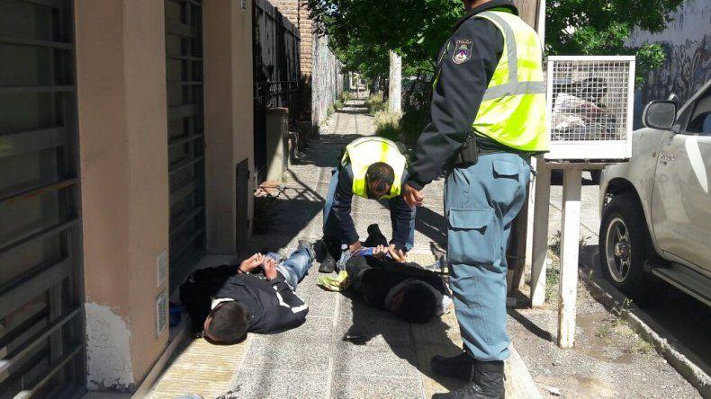 Dos cipoleños atrapados robando en Neuquén