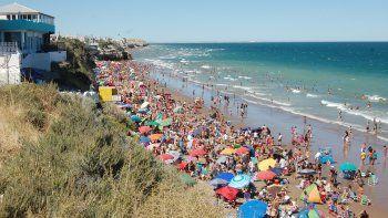 La playa de Las Grutas tuvo su primer gran fin de semana de la temporada gracias al buen clima y el festejo de Año Nuevo.
