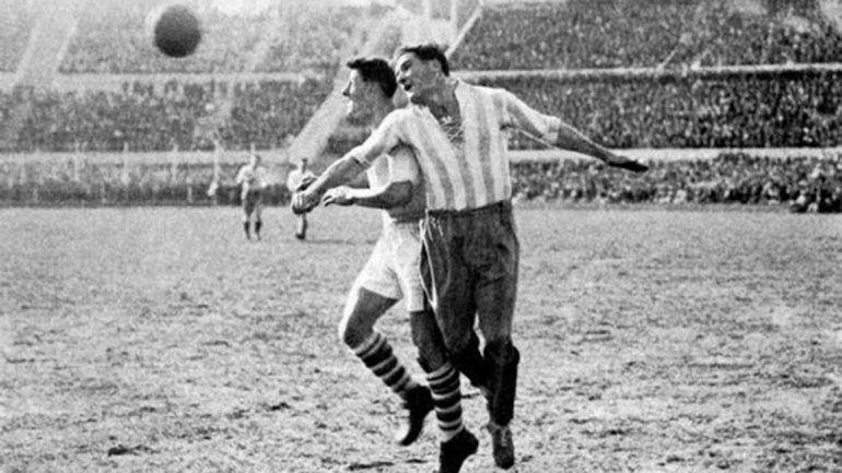 La Copa cambió desde su primera edición en 1930 (13 selecciones) pasando por el Mundial de 1990 (último con 24 países) y el actual formato de 32. Argentina fue finalista en esas tres ediciones.