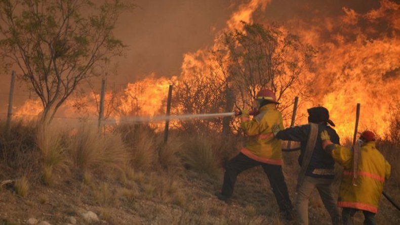 Se activaron unos diez nuevos focos de incendio