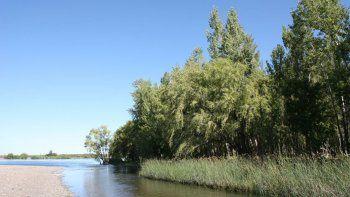 en balsa las perlas se ahogo un joven neuquino  al intentar cruzar el rio limay
