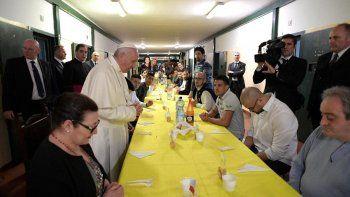 Ningún pontífice había visitado la prisión San Vittore, con más de 100 años.