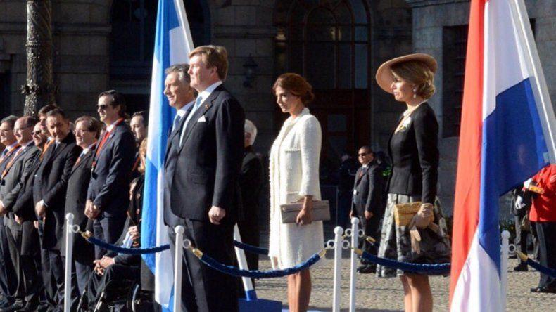 Macri fue recibido por la reina Máxima en el inicio de su visita