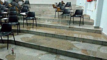 La lluvia inundó algunas aulas de la universidad y no habrá clases