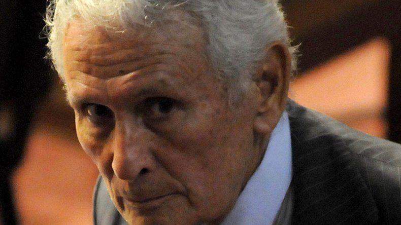 La Justicia le dictó la prisión domiciliaria al represor Miguel Etchecolatz