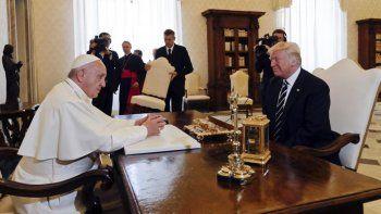 El Papa recibió a Trump con bromas y un pedido por la paz mundial