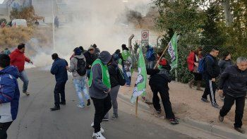 Incidentes en la protesta de ATE frente a la Legislatura