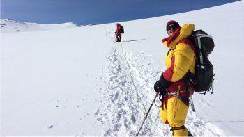 la primera argentina en conquistar las siete cumbres es de roca