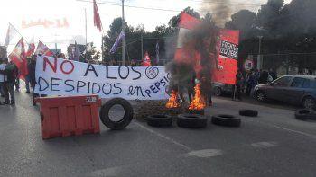 cortan los puentes neuquen-cipolletti en repudio a la represion a trabajadores de pepsico copy