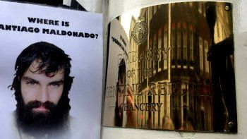 En Europa también pidieron por la aparición de Santiago Maldonado