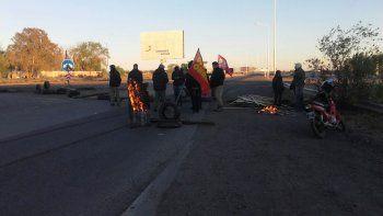 Tránsito complicado: obreros de MAM cortan mañana el puente viejo con su reclamo