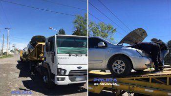 Encuentran un auto robado en un camión mosquito