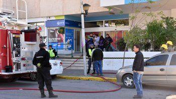 Amenazan con prenderse fuego en la municipalidad por trabajo