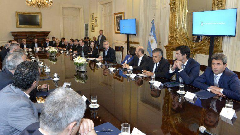 Cuáles son los 10 puntos claves del acuerdo entre Macri y los gobernadores