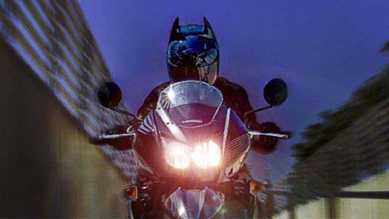 Le secuestraron la moto a un Batman neuquino por manejar borracho