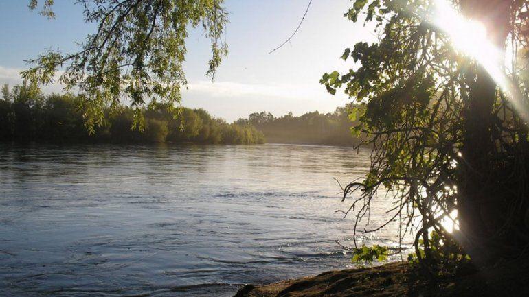 Joven se tiró al río en una zona no habilitada y murió ahogado