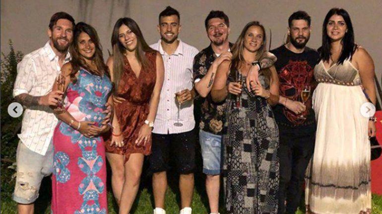 En ojotas, Lio Messi recibió el año junto a su familia en Rosario