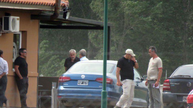 El Presidente estuvo en el campo de golf donde se trasladó con un carrito (foto). Hubo un encuentro con el intendente de Plottier