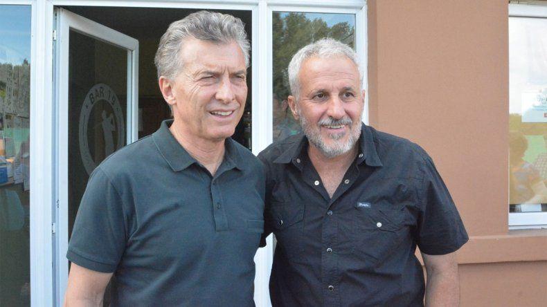 Macri junto a Peressini