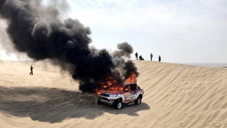Se incendió el auto de Alicia Reina y tuvo que abandonar el Dakar