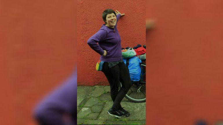 Buscan a Agustina en Salta, una joven neuquina que viaja en bicicleta