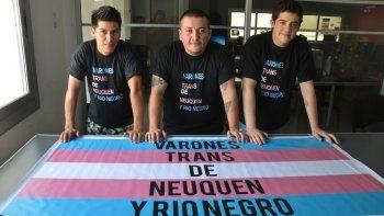 Nacho, Bengamín y Facundo contaron sus experiencias de vida. En Río Negro y Neuquén son 30 y formaron una organización que los representa.