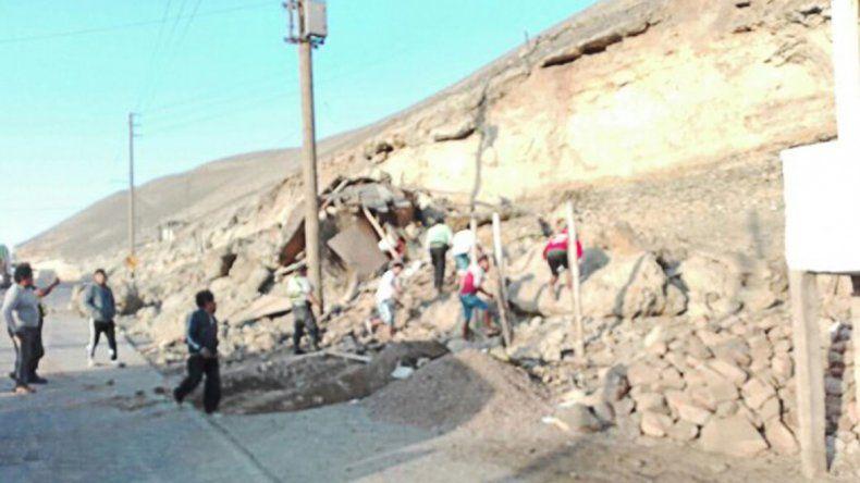 Uno de los tantos derrumbes que se reportó en la zona del sismo.