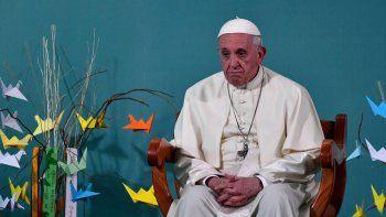 El Papa asumió la responsabilidad por los abusos de los curas.