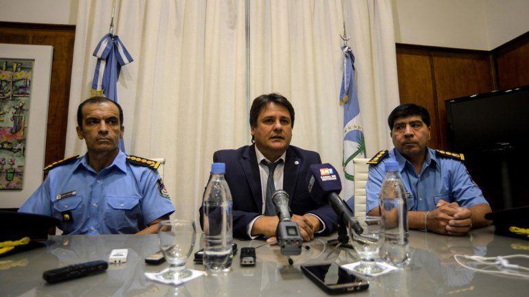 El ministro de Seguridad y la Policía llevaron tranquilidad en una conferencia