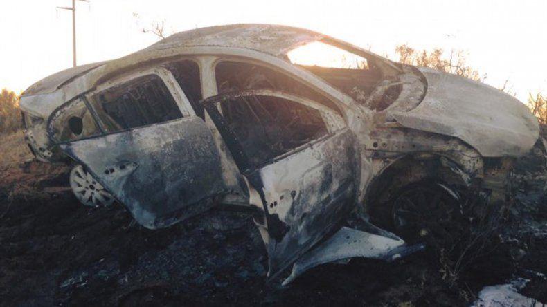 Una familia se salvó de milagro tras incendiarse su auto