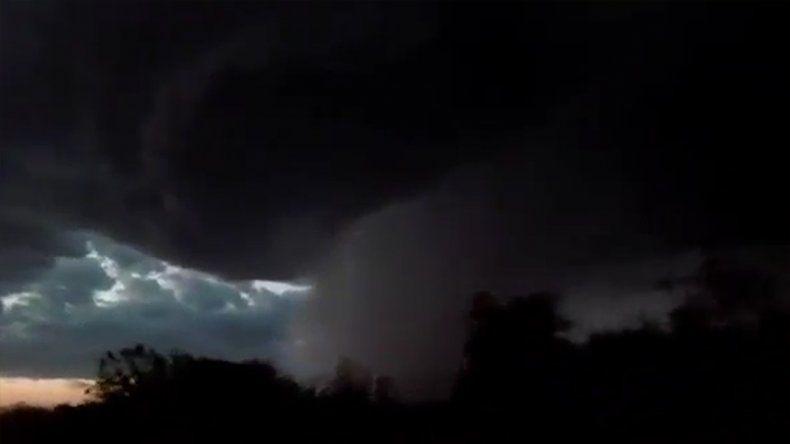 Así se vio la impresionante tormenta que azotó a la región