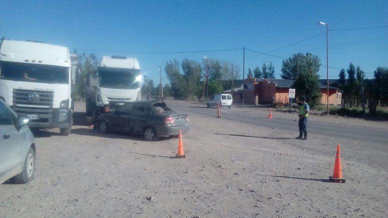 Salió del boliche, zigzagueó en la Ruta 6, chocó contra dos camiones y murió