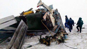 un avion con 71 pasajeros a bordo se estrello en moscu