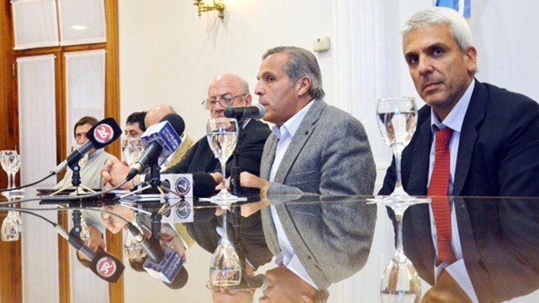 Denuncian que Sapag quiso ingresar 5 millones de dólares en un banco de Andorra