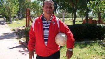 Santoro integra la subcomisión de fútbol y colabora con los arqueros.