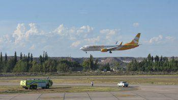 un fiscal sugirio la suspension de los vuelos de flybondi