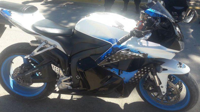 Persecución por Ruta Chica: escapó 10 kilómetros con una moto robada