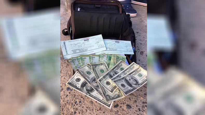 Encontró más de $ 150 mil en la calle: por las redes halló al dueño del dinero y lo devolvió